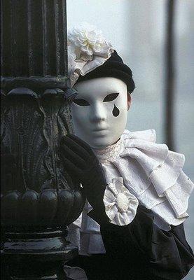 oggi abbiamo bisogno di silenzio e bellezza...nella leggerezza....